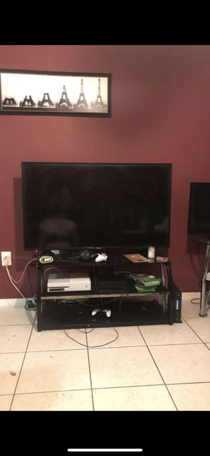 Hisense tv 55 inches for Sale in Hollywood, FL