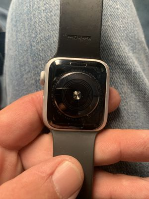 Apple watch series 4 - 40mm for Sale in Parma, OH