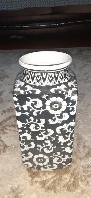 Vase for Sale in Bridgeport, CT