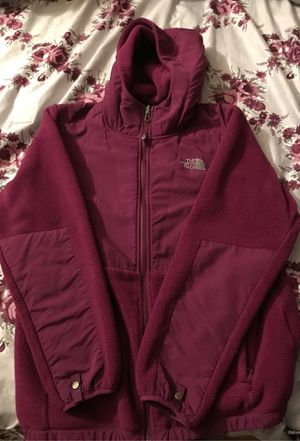 Purple the north face jacket for Sale in El Monte, CA