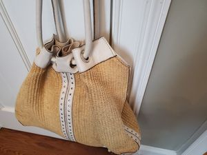 Michael Kors Large Straw & White Bag for Sale in Atlanta, GA