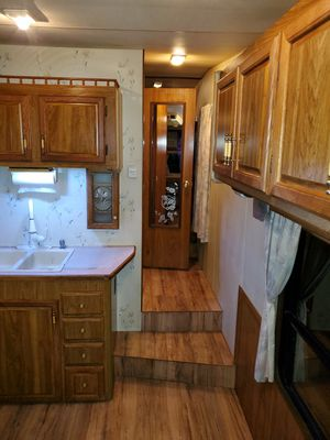 Coachman 5th wheel 33ft 6500. for Sale in Marysville, WA