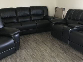 Black Couches for Sale in Woodburn,  OR