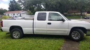 2005 Chevy Silverado v8 5.3 for Sale in Tampa, FL