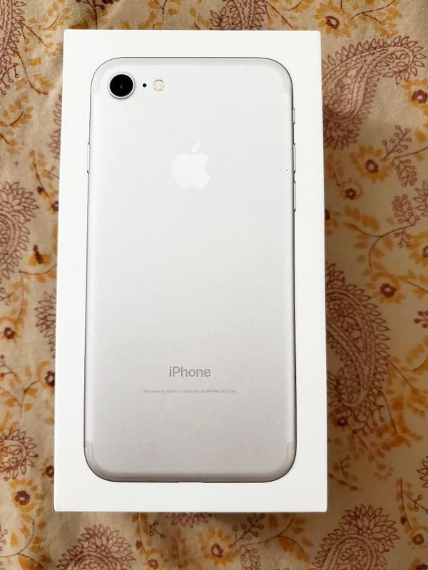 iPhone 7 brand new untouched