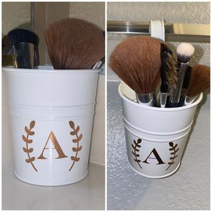 Hanging Makeup Brush Holder for Sale in Goodyear, AZ