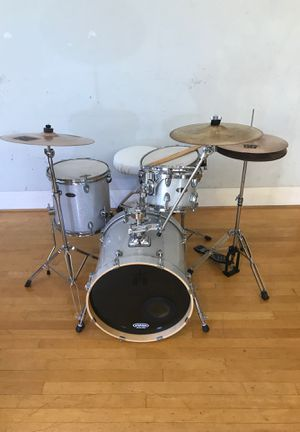 SPL compact bebop jazz drum set kit drums in white sparkle SABIAN cymbals complete Ontario for Sale in Montclair, CA