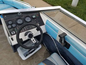 Bayliner boat whit trailer for Sale in Manassas, VA