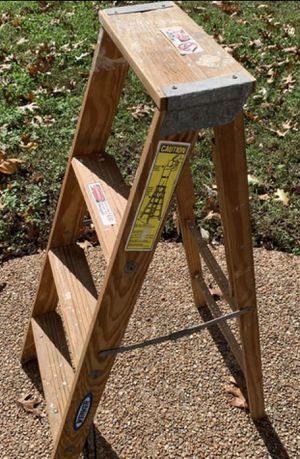 Heavy duty wood step ladder for Sale in Smithfield, VA