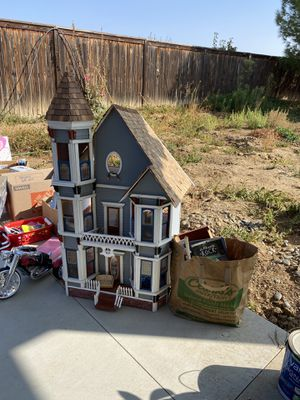 Amazing Victorian dollhouse for Sale in Perris, CA