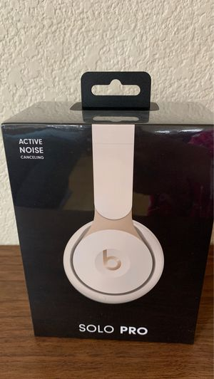 Brand new in box BEATS SOLO PRO for Sale in Hayward, CA