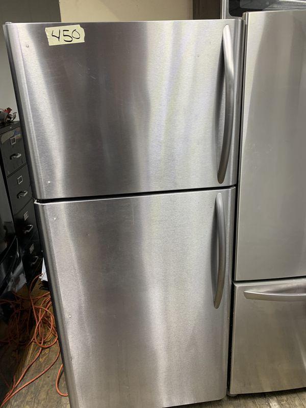 """Refrigerator 30""""Frigidaire"""