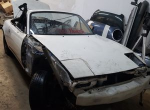 Parting out 91 Mazda Miata for Sale in Hollywood, FL