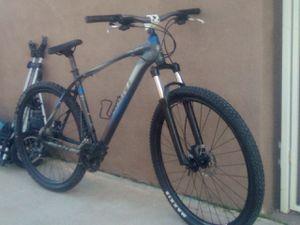Giant talon 29 in hardtail mountain bike for Sale in Cave Creek, AZ