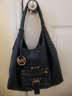 Michael Kors shoulder bag for Sale in Kissimmee, FL