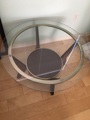Round Center Coffee table for Sale in Hawthorne, CA