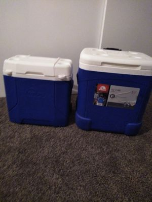New igloo wheeled ice coolers. for Sale in Bell Gardens, CA
