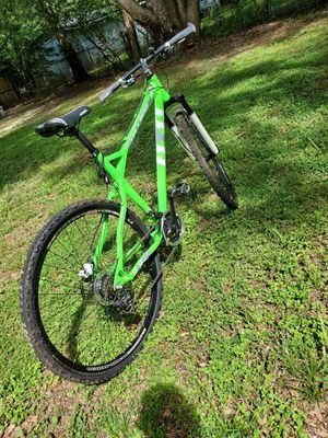 Kenzie Hill 800 Mountain bike for Sale in Crestview, FL