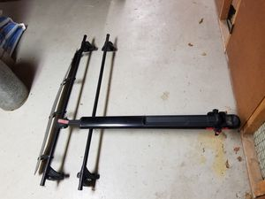 Yakima roof rack Q Tower System with windshield for Sale in Pikesville, MD