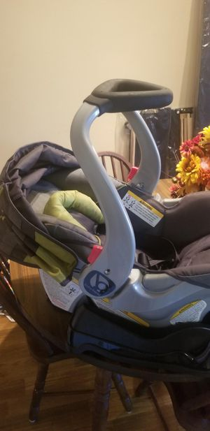 Baby trend infant careseat for Sale in Jacksonville, FL