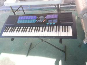 Yamaha keyboard PSR 185 for Sale in Fort Meade, FL