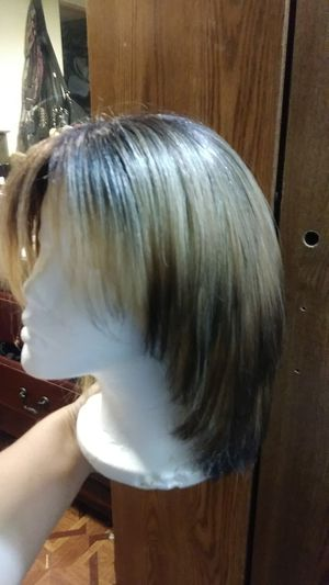 Synthetic wig for Sale in Chicago, IL