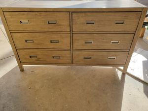 New Dresser with Jewlery Tray for Sale in Mesa, AZ
