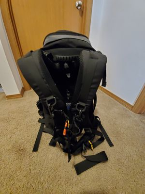 Fly Leaf Camera Backpack for Sale in Eatonville, WA