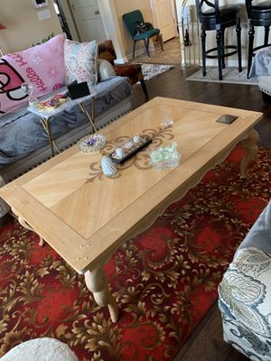 4ft8inx3ft wood coffee table for Sale in Murfreesboro, TN