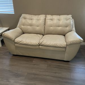 Set of Loveseat and chair for Sale in Fruit Heights, UT