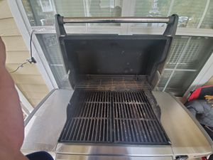 Weber GenesisII 5burner bbq grill for Sale in Duluth, GA