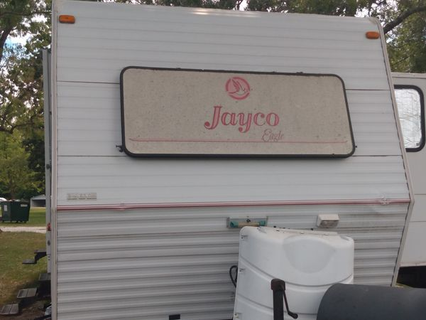 $4,500 O.B.O JAYCO 30ft PULL BEHIND TRAVEL TRAILER