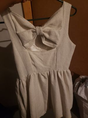 Off white short dress. for Sale in Hazelwood, MO
