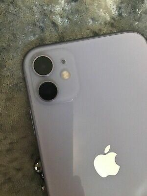 iPhone 11 for Sale in Kansas City, KS