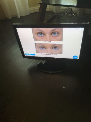 19 INCH LCD HDTV for Sale in Chicago, IL