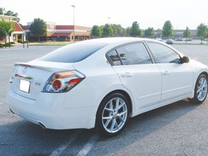 Family vehivcule 2007 Nissan Altima New battery for Sale in Columbus, OH