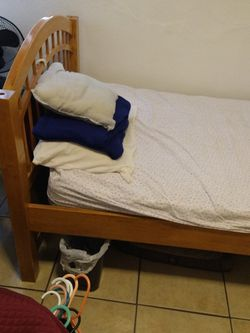 2 Twin Sized Bed And Matress/Bunk Beds for Sale in Whittier,  CA
