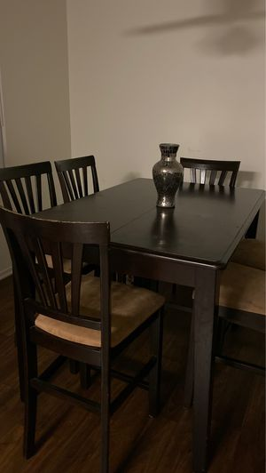 Dining table for Sale in Costa Mesa, CA