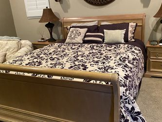Bed Frame And Nightstands for Sale in Corona,  CA
