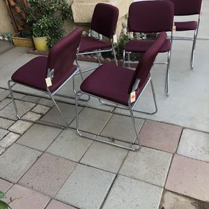 Brand New Set Of 5 Stackable Metal Frame Chairs for Sale in Fowler, CA
