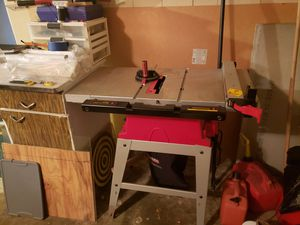 "10"" bench table saw by Tradesman for Sale in Hillcrest Heights, MD"