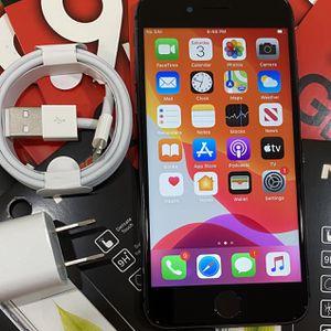 Factory unlocked apple iphone 8 64 gb, store warranty for Sale in Somerville, MA