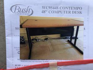 Desk for Sale in Des Plaines, IL
