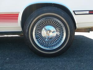 """14"""" Luxor wire wheels 4 lug for Sale in Lompoc, CA"""