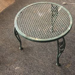 Free Patio Table for Sale in Azusa,  CA