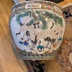 Large Oriental Style Decorative Pot for Sale in Westbury,  NY