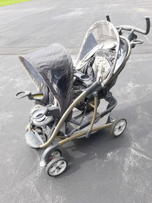 Graco double stroller for Sale in East Aurora, NY