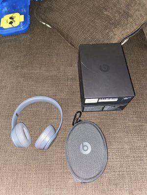 Beats solo 3 Wireless Asphalt Grey for Sale in Brighton, TN