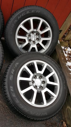 20 inch gm wheels with tires (hablo español) for Sale in Elgin, IL