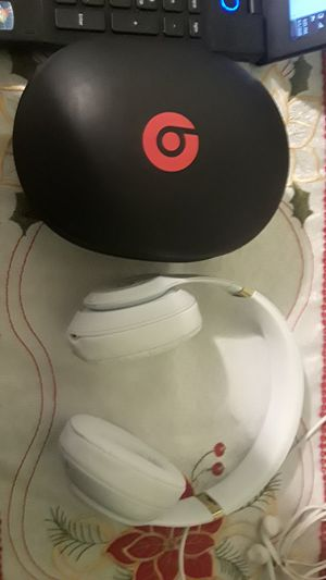 Beats studio 3 wireless for Sale in Brooklyn, NY
